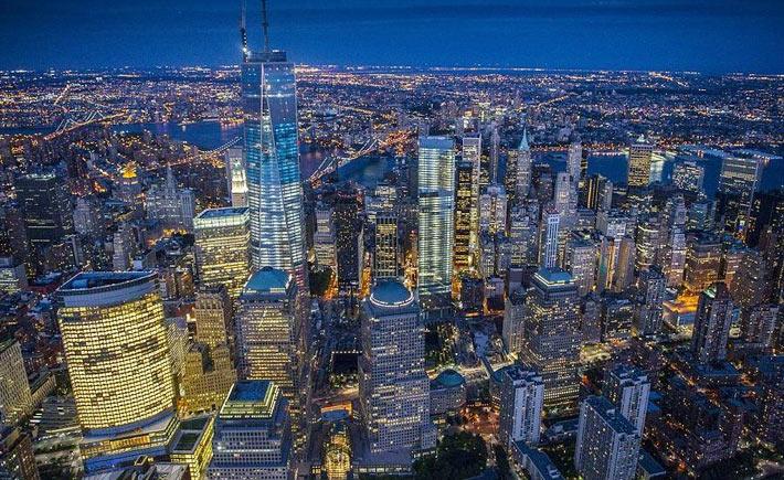 Ночной Нью-Йорк с высоты птичьего полета